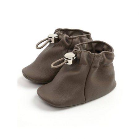 נעלי בנות. נעל אמה בצבע חום. מידה: 12-18 חודשים נעליים